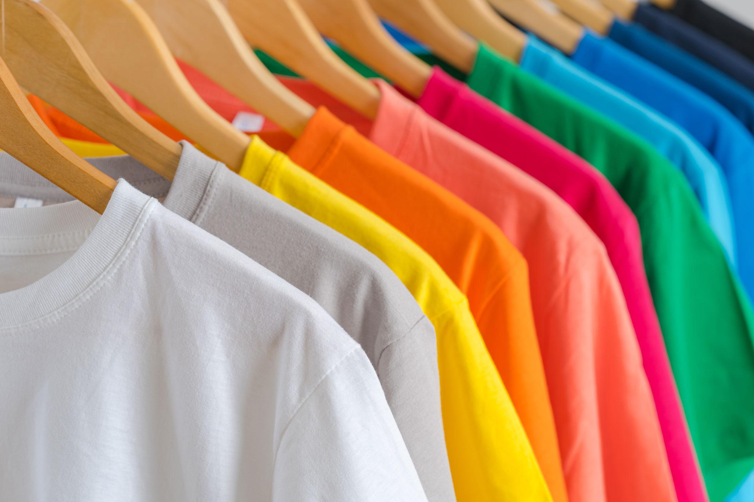 Tout ce qu'il faut savoir avant de commander des vêtements pour son entreprise